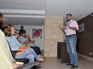 Manuel Ferreira propone convenio con empresas de Lechería para abrir espacios a eventos culturales
