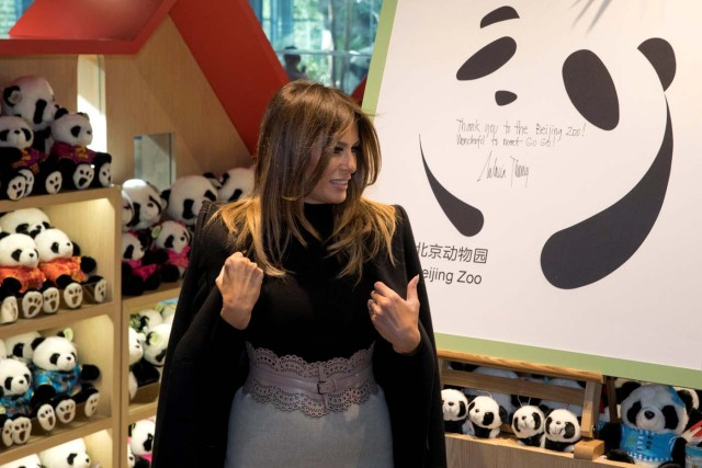 U.S. first lady Melania Trump leaves well wishes on a board after visiting the panda enclosure at the zoo in Beijing, China, November 10, 2017. REUTERS/Ng Han Guan/Pool