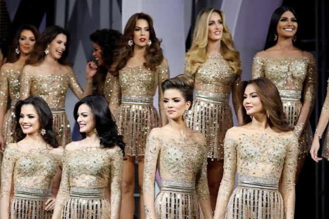 REFILE - CORRECTING GRAMMAR Contestants take part in Miss Venezuela 2017 pageant in Caracas, Venezuela November 9, 2017. REUTERS/Marco Bello