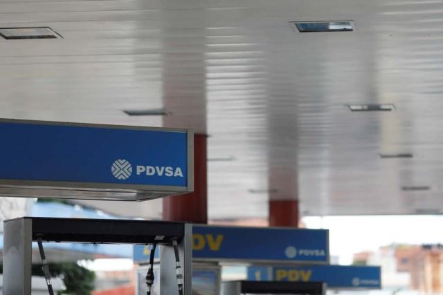 TEl logo de Pvsa en una estación de servicios enCaracas, Venezuela /FotoREUTERS/Marco Bello