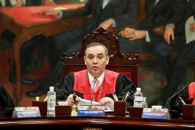 Imagen de archivo. El presidente de la Corte Suprema de Venezuela, Maikel Moreno, habla durante una conferencia de prensa en Caracas, Venezuela el 28 de junio de 2017. REUTERS / Marco Bello