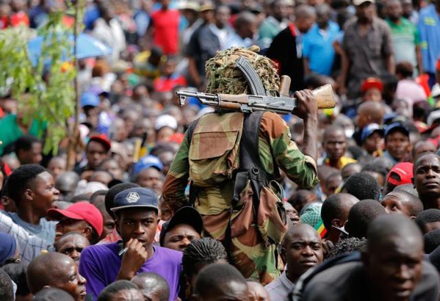 Zimbabue ejercito contra Mugabe