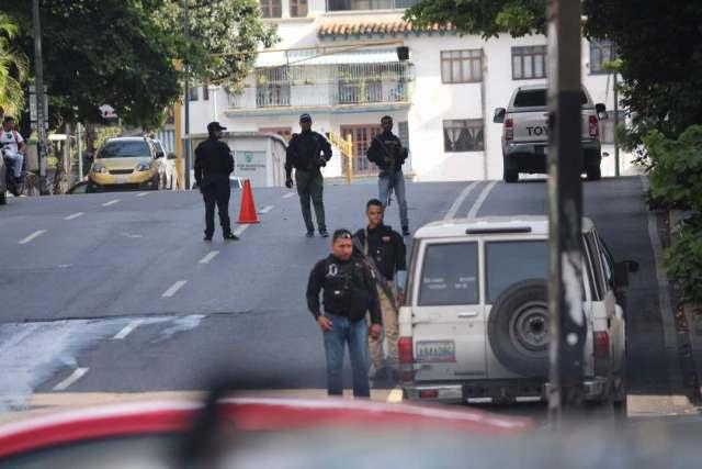 Así se encuentran los alrededores de la residencia de Freddy Guevara este sábado 4 de noviembre. Foto: Will Jimenez / LaPatilla.com