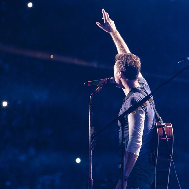 Twitter: @coldplay
