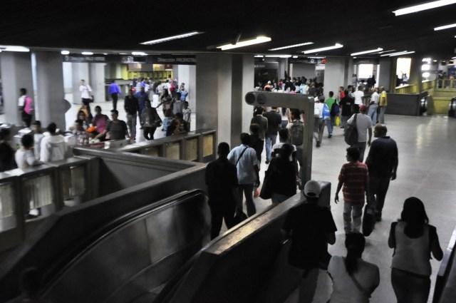 Retraso Metro de Caracas / Fotos News Report