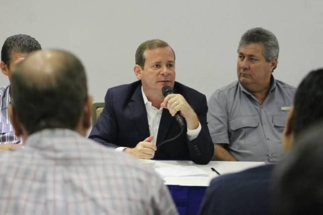 Juan Pablo Guanipa conversatorio con Gremios y sociedad civil y profesionales (2)