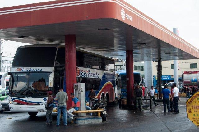Foto: Escasez de gasoil limita a viajeros en el terminas de Barquisimeto / El Impulso