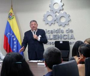 Alcalde Cocchiola: La improvisación en servicios públicos destruyó Venezuela