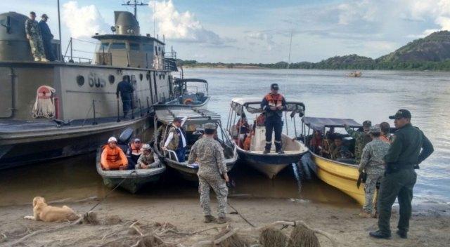 La Brigada de Infantería de la Marina colombiana realiza las labores de búsqueda
