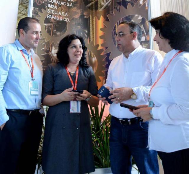 Directivos de Coralsa durante la recién concluida Feria Internacional de La Habana. Foto: Ricardo López Hevia
