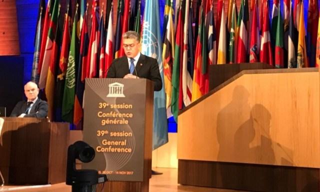 Elías Jaua, ministro de educación, durante discurso ante la Unesco // FOTO @EmbavenezParis