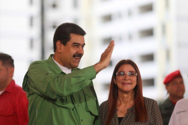 """El presidente Nicolás Maduro, junto a la """"primera combatiente"""" Cilia Flores (Foto: @PresidencialVen)"""