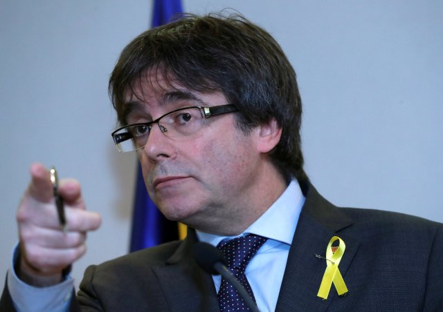 Ousted Catalan leader Carles Puigdemont holds a news conference in Brussels, Belgium, December 6, 2017.  REUTERS/Yves Herman