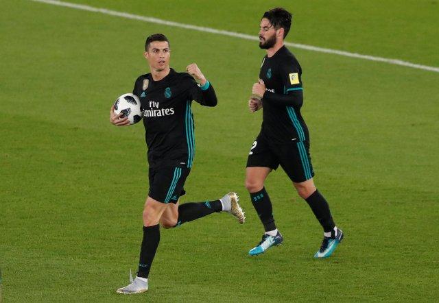 El portugués Cristiano Ronaldo celebra tras marcar el primer gol del Real Madrid. REUTERS/Amr Abdallah Dalsh