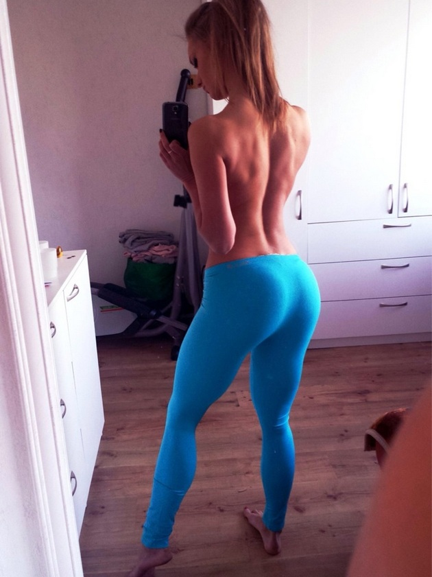 Girls-in-Yoga-Pants-9-24_00021