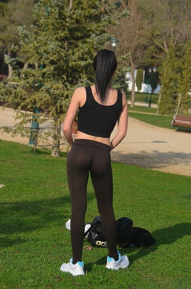 Girls-in-Yoga-Pants-9-24_00030