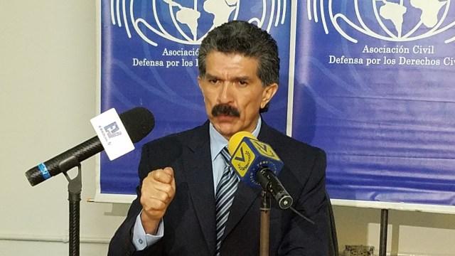 El defensor de derechos humanos, Rafael Narvaez