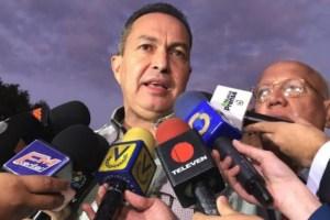 Diputado Richard Blanco jefe del Bloque Parlamentario 16 de Julio se solidarizó con Requesens y su familia