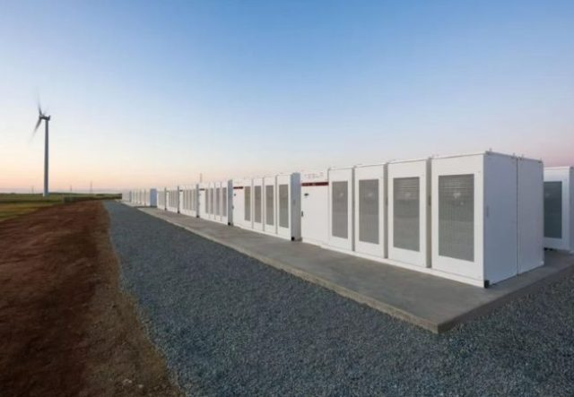 El sistema instalado en Australia fue puesto en marcha esta semana. Permitirá brindar energía a 30.000 hogares / reduser