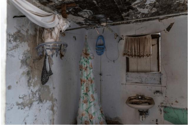 Una casa abandonada en la isla caribeña de Anguila, donde los clientes llevan a las mujeres. Belinda Soncini Especial para el Nuevo Herald