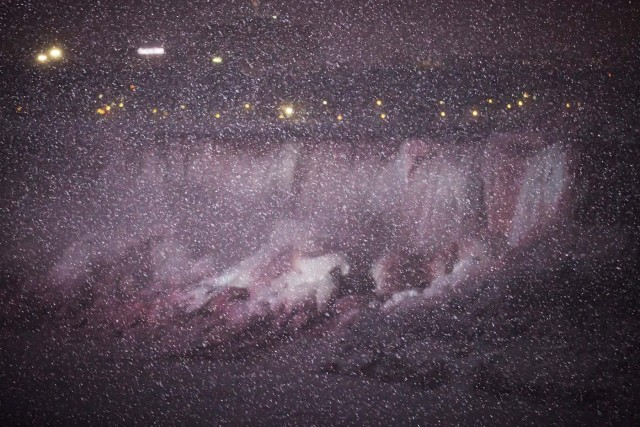 Snow flurries fall near the American Falls, viewed from the Canadian side in Niagara Falls, Ontario, Canada, January 3, 2018. REUTERS/Aaron Lynett