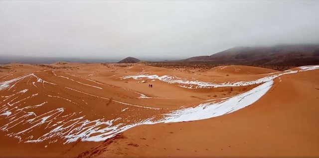 View of snow in the Sahara, Ain Sefra, Algeria, January 7, 2018 in this picture obtained from social media. Hamouda Ben Jerad/via REUTERS THIS IMAGE HAS BEEN SUPPLIED BY A THIRD PARTY. MANDATORY CREDIT.NO RESALES. NO ARCHIVES