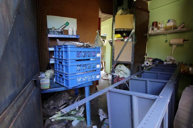 A general view of the damage at a mini-market after it was looted in Puerto Ordaz, Venezuela January 9, 2018. REUTERS/William Urdaneta