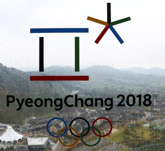 El logo de los Juegos Olímpicos de Invierno de PyeongChangen el centro de sky Alpensia en Pyeongchang, Corea del Sur, sep 27, 2017. REUTERS/Pawel Kopczynski