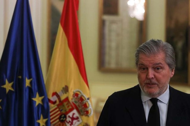 El vocero del gobierno español Iñigo Mendez de Vigo durante una entrevista con Reuters en Madrid, España el 28 de octubre de 2017. REUTERS/Sergio Perez