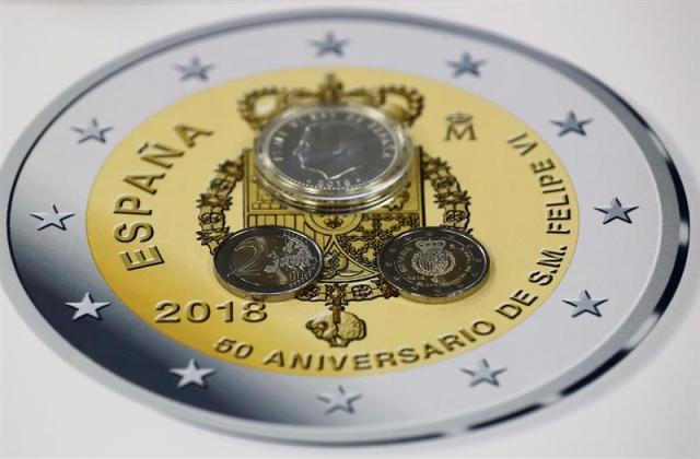 Foto: Presentación en la Fábrica Nacional de Moneda y Timbre de la pieza de 2 euros conmemorativa por los 50 años del Rey Don Felipe VI. EFE/ Mariscal
