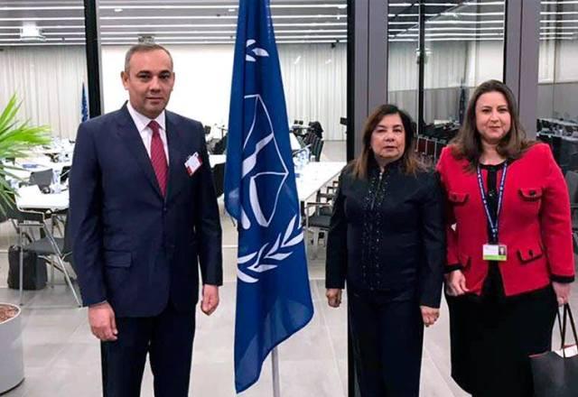 El Magistrado-Presidente estuvo acompañado de la magistrada Carmen Zuleta de Merchán, integrante de la Sala Constitucional y de la embajadora de Venezuela ante la CPI y la Organización para la Prohibición de las Armas Químicas (OPAQ), Dra. Haifa Aissami