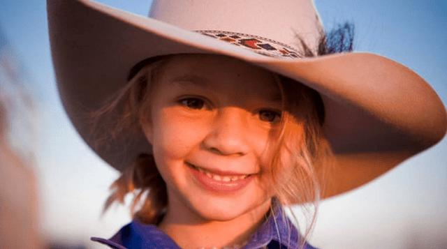 """En esta imagen de 2009 cortesía de Akubra Hats, se muestra a Amy """"Dolly"""" Everett en Brunette Downs en el Territorio Norte de Australia. Akubra Hats via AP)"""