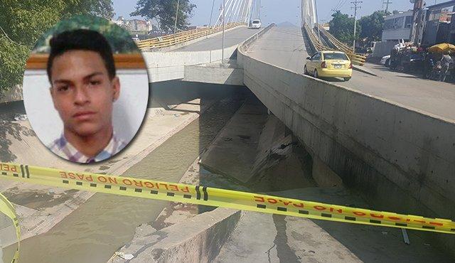 El rastro de sangre que quedó sobre el canal Bogotá, fue la evidencia del macabro asesinato del venezolano. / Foto: La Opinión