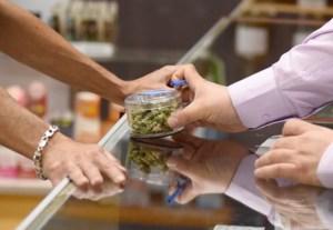 Así de eufórico fue el primer día de venta de marihuana recreativa en California (+Fotos)