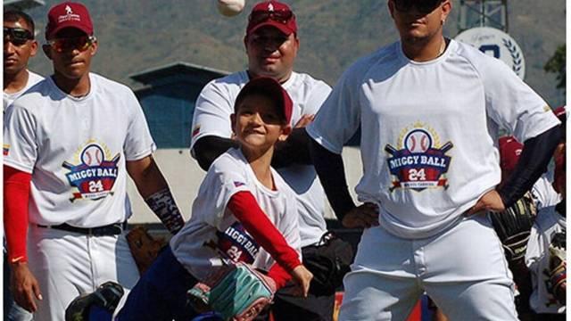 MIGUEL CABRERA realiza una gran faena con su fundación en apoyo a niños y jóvenes. Cortesia de la fundación Miguel Cabrera
