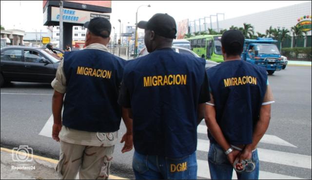 Funcionarios de Migración de República Dominicana (Foto: reportero24.com)