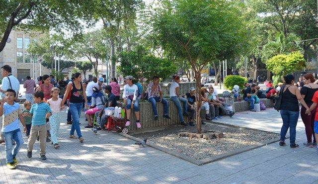 Ahora se ve el comercio de alimentos y bebidas propias del vecino país, y hasta de ropa. / Foto: Edinsson Figueroa
