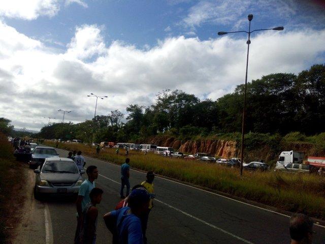 Foto: Atropellan a una persona durante protesta en Upata por falta de agua y comida #11Ene / Cortesía