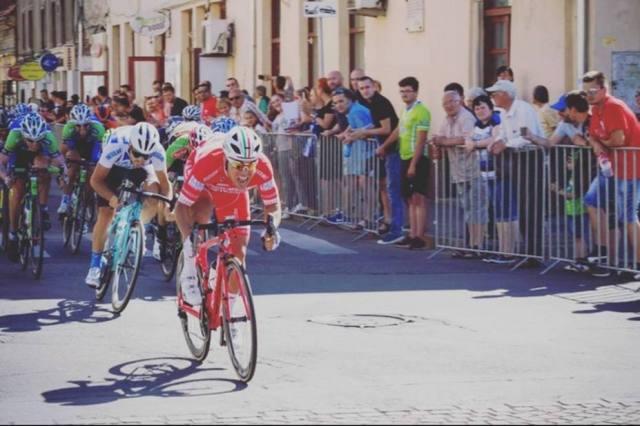 El ciclista italiano Matteo Malucelli (Foto: eluniversal.com)