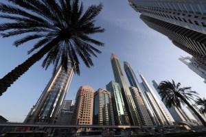 Inauguran en Dubái un hotel de 356 metros de altura, el más alto del mundo (fotos)