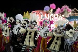 El Carnaval de Rio mezcla política con glamour en el Sambódromo