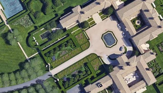 'Fair Field' pertenece a Ira Renert, fundador del Grupo Empresarial Renco. Esta mansión posee 25.500 hectáreas y está valorada en 248 millones de dólares. Además, tiene tres casas adicionales a la mansión principal, cancha de baloncesto y un salón para jugar bolos. (Foto: Cortesía Google Maps)