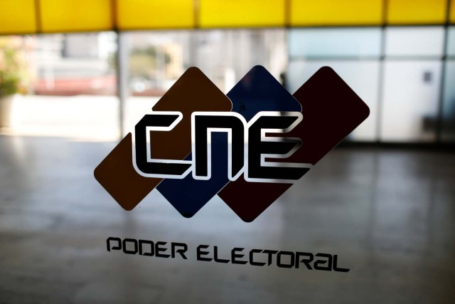 The logo of the National Electoral Council (CNE) is seen in its headquarters in Caracas, Venezuela February 5, 2018. REUTERS/Marco Bello