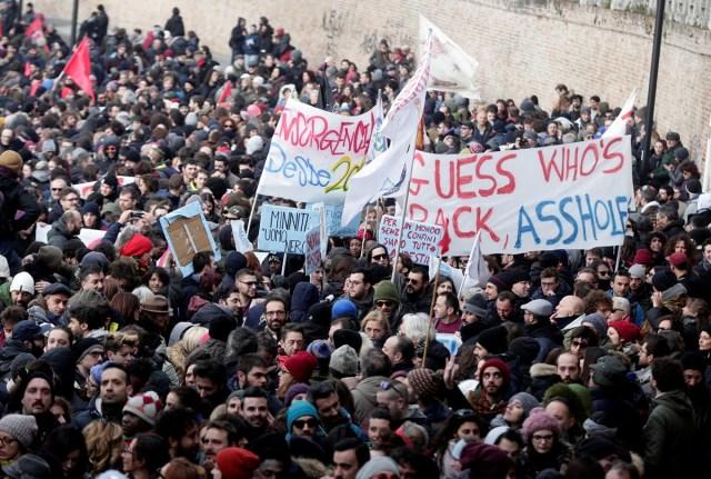 Miles de personas marcharon este sábado en Macerata contra el fascismo / REUTERS/Yara Nardi