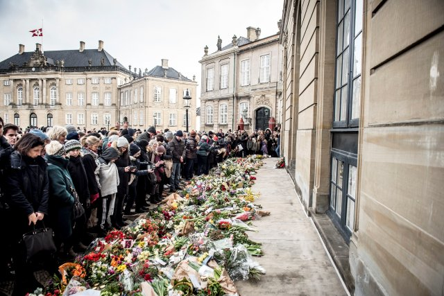 Flowers are seen in front of Amalienborg Palace in Copenhagen, Denmark, February 15, 2018. Ritzau Scanpix Denmark/Mads Claus Rasmussen via REUTERS ATTENTION EDITORS - THIS IMAGE WAS PROVIDED BY A THIRD PARTY. DENMARK OUT. NO COMMERCIAL OR EDITORIAL SALES IN DENMARK.