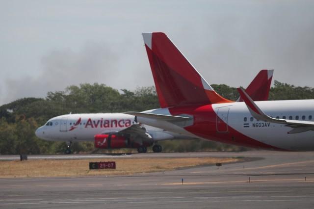 Los aviones de Avianca se ven en el Aeropuerto Internacional Monseñor Oscar Arnulfo Romero en San Luis Talpa, El Salvador, el 17 de enero de 2018. REUTERS / Jose Cabezas