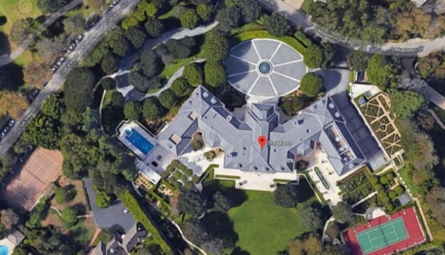 'The Manor' es el nombre de la mansión construida en 1988 para el productor de televisión Aaron Spelling. El valor de la propiedad es estimado en 200 millones de dólares y tiene 123 habitaciones. El lugar tiene más de 5.200 metros cuadrados. (Foto: Cortesía Google Maps)
