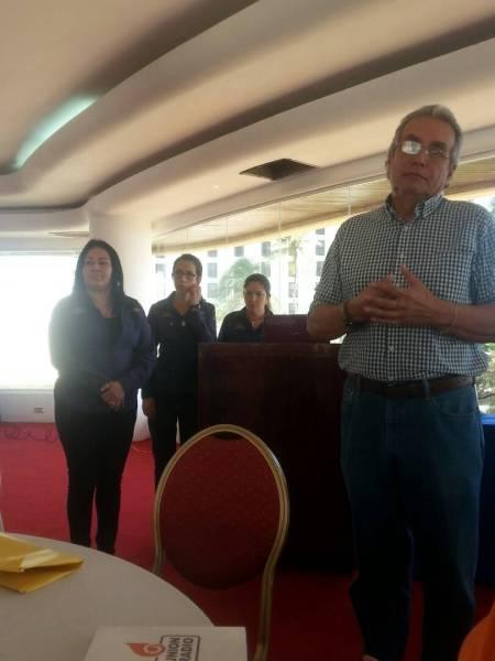 Soraya Figueroa directora de Mintur y  Luis Eduardo Rodríguez presidente de la Corporación de Turismo de Nueva Esparta (Foto: Nota de prensa)
