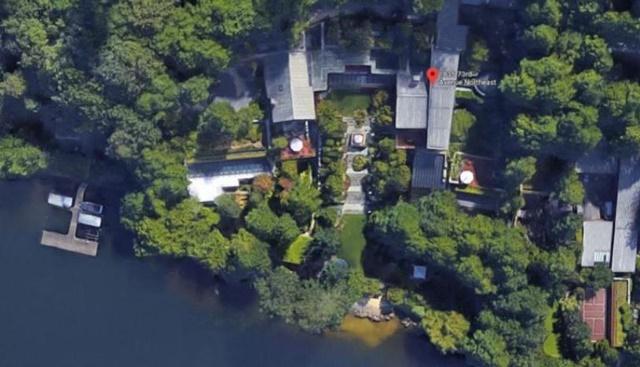 En el listado sigue una mansión que se destaca por sus lujos, se trata de la casa de Bill Gates. 'Xanadu 2.0', como se le conoce al lugar, es una compleja edificación que está automatizada completamente. La mansión está avaluada en 125 millones de dólares y cuenta con 6.131 metros. (Foto: Cortesía Google Maps)