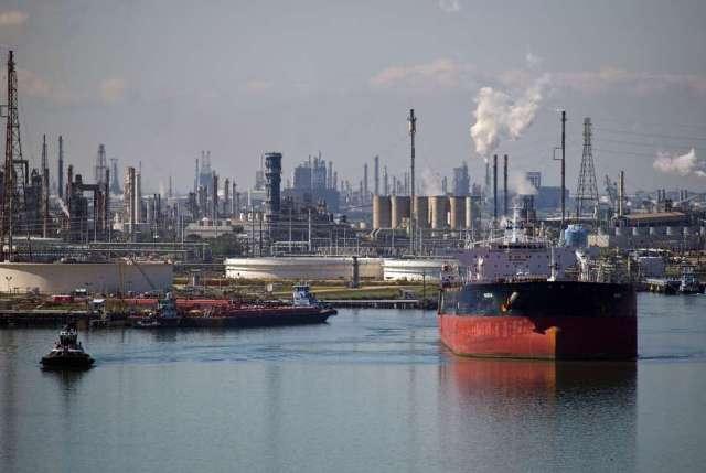 Un buque petrolero sale después de dejar el petróleo en la refinería de Citgo en el Puerto de Corpus Christi. / cortesía